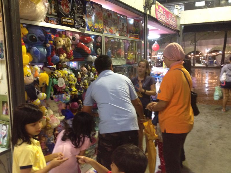 beli anak patung