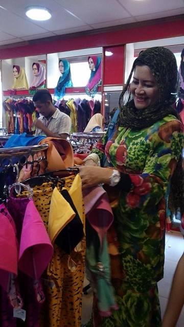 Beli Tudung di Zaleha Textiles