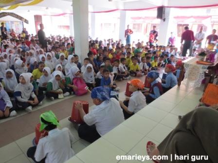 persembahan dari pelajar