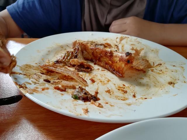 Kenapa Mahal Sangat Harga Makanan Ni Makcik, Makcik Nak Pergi Haji Balik Hari Ke?