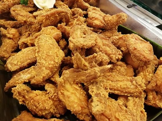 ayam goreng di bufet ramadhan bangi golf resort