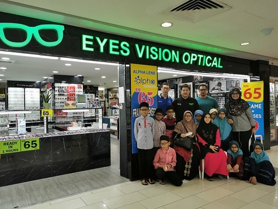 Eye Vision Optical Sumbang Cermin Mata Pada Anak-Anak Yatim