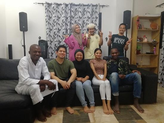 Menerima Tetamu dari Malaysia Yang Berkahwin Dengan Warga Guinea