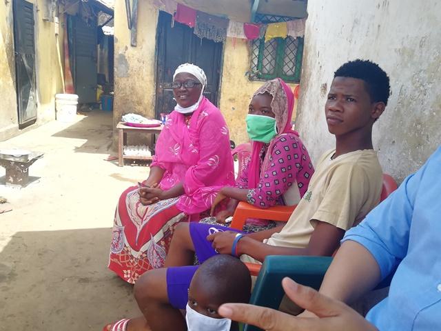 penjaga rumah anak-anak yatim