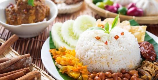 nasi lemak makanan best di Malaysia