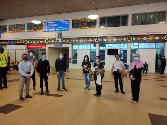 rakyat malaysia pulang dengan penerbangan khas