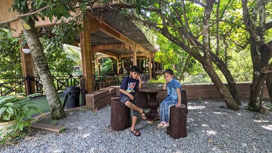 Tempat Tumpuan Geng Bikers Selalu Berkumpul di Tanah Aina Fareena Cafe – The Bridge Under The Bridge